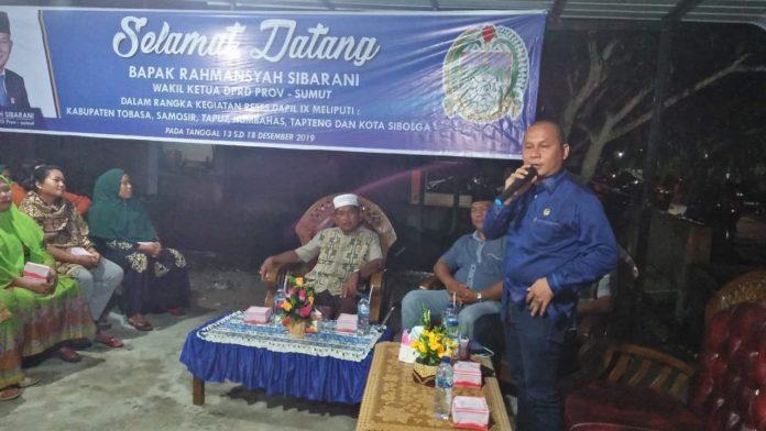 Wakil Ketua DPRD Sumut, Rahmansyah Sibarani saat menyampaikan pemaparan reses di daerah pemilihannya di Kabupaten Tapanuli Tengah. (mimbar/ist)