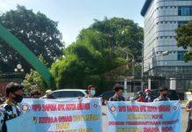 Massa Sapma IPK Medan unjukrasa damai meminta Kadisdik Kota Medan dicopot. (Ist)
